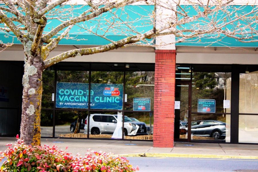 Many E&H students travelled to the the old Food City building in Abingdon to receive their first dose of the COVID-19 vaccine after the college announced a campus-wide clinic.