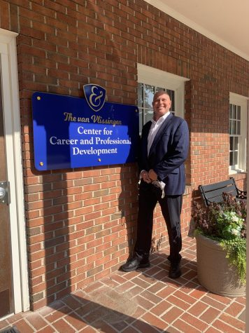 Director of the new van Vlissingen Center for Career and Professional Development, Lee Svete, and the center