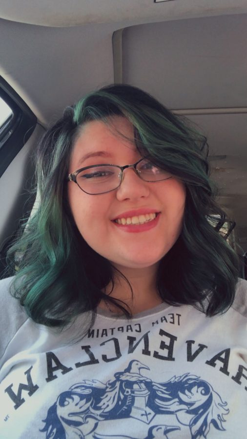First year theater student Ariel Watts has a passion for theater and stage makeup. Though the small department does not currently offer makeup courses, Watts hopes to find more opportunities to explore the medium at E&H in the future.